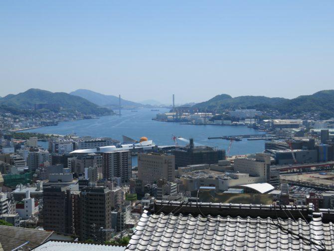 長崎港を望む