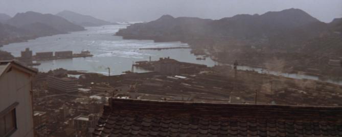 1971年の長崎港(第6作「男はつらいよ純情篇」より)